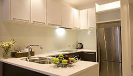Stay 10 Service Apartments - Kitchen
